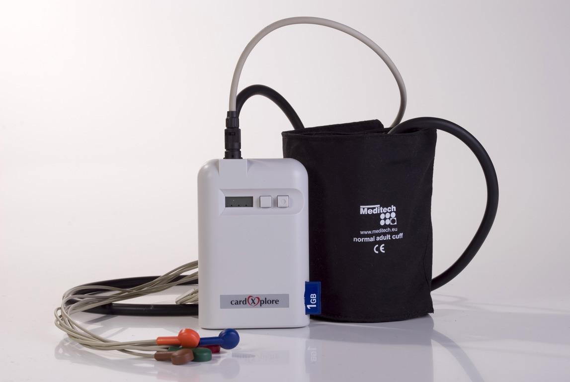 Суточный монитор АД и ЭКГ по Холтеру Card(X)Plore
